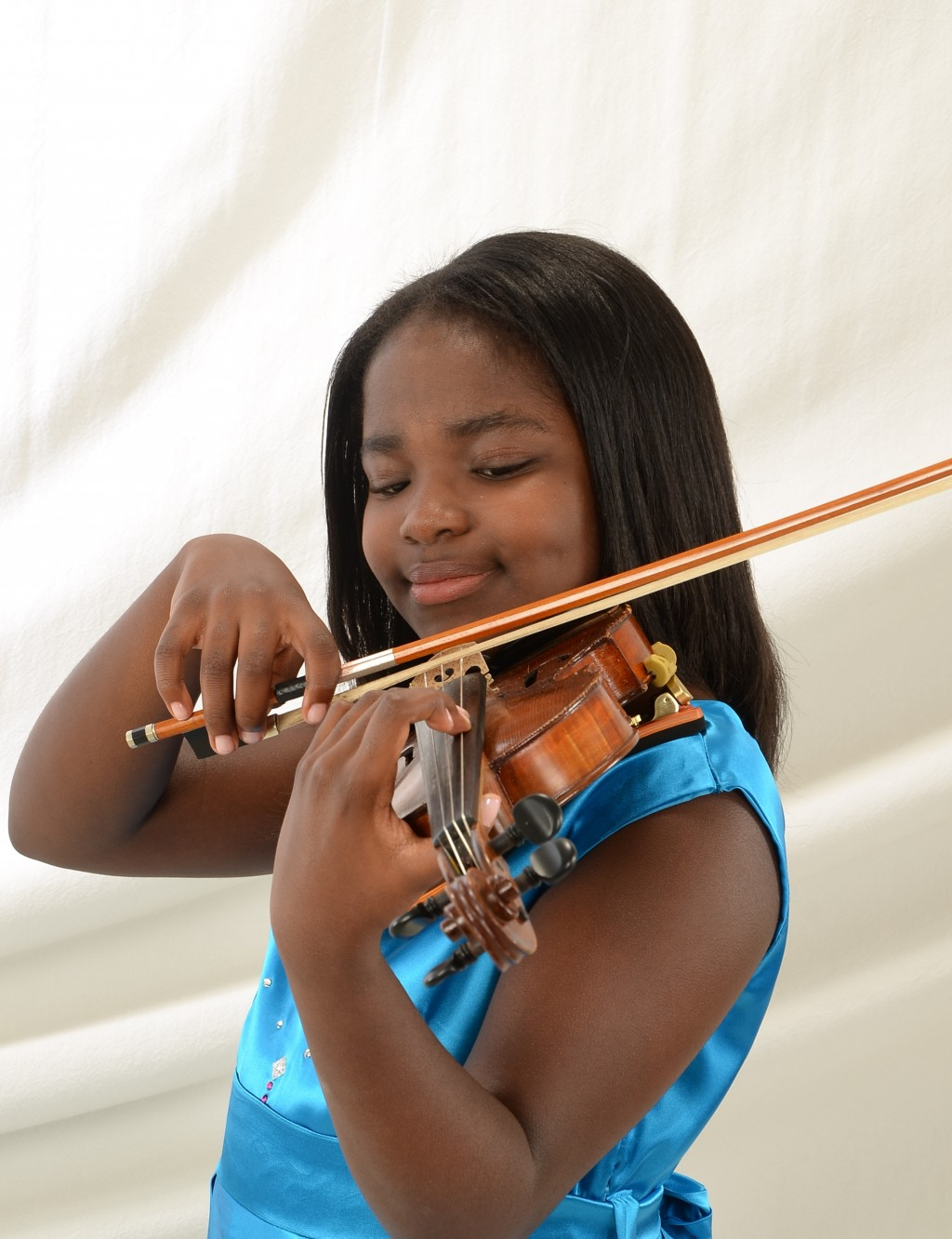 11-yr-old Violin Virtuoso Hopes to Increase Diversity in